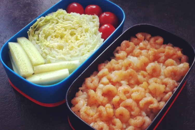 Рецепт бенто №23. Рис с креветками и овощи