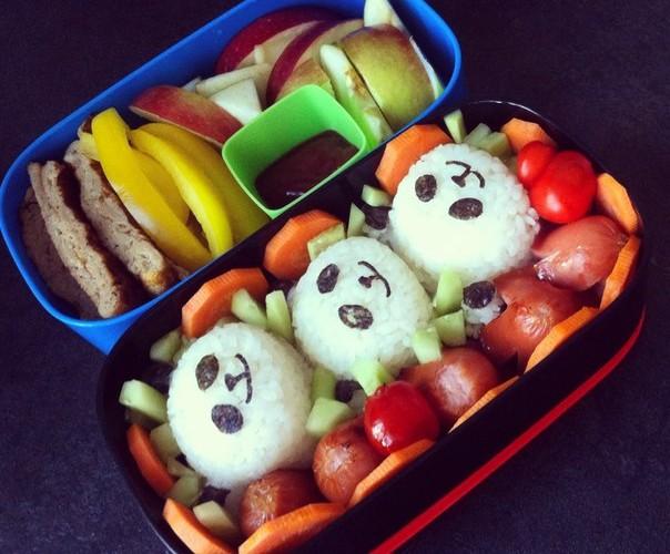 Рецепт бенто №3. Панды из риса, сосиски-осьминожки и японский омлет