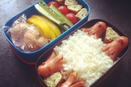 Рецепт бенто №53. Сосиски осьминожки, рис и омлет