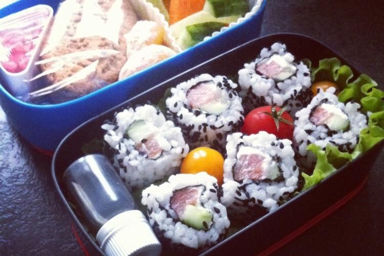 Рецепт бенто №65. Суши роллы с сёмгой