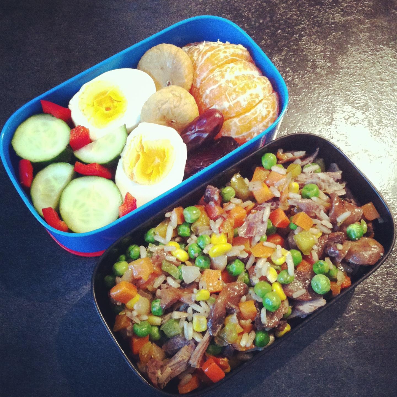 Рис мясо яйцо салат