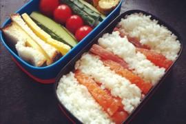 Рецепт бенто №43. Слабосолёный лосось с рисом и сладким омлетом