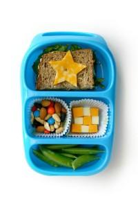Детский обед (бенто). Белок (сыр, мясо, рыба, бобы)
