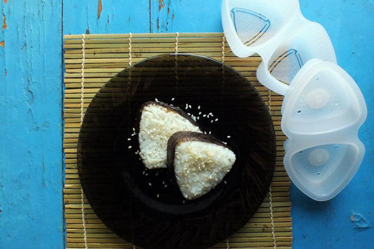Рецепт онигири. Готовить проще простого!