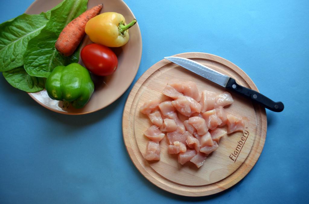 Рецепт куриной грудки с овощами