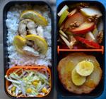 Рецепт бенто. Рис, запечённая скумбрия, фруктовый салат и банановые сырники