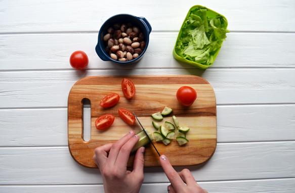 Рецепт овощного салата с фасолью