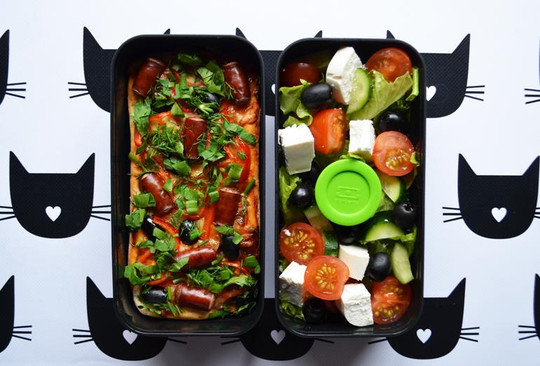 Рецепт обеда. Пицца и греческий салат